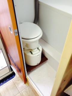 Instllation fo air head in tight bathroom